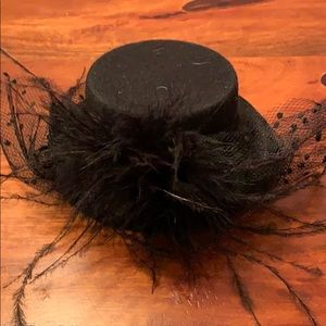 Miniature Black Lace Feathered Hair Accessory